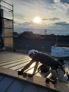屋根張替え作業